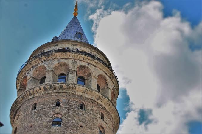 Galata Kulesine Giriş