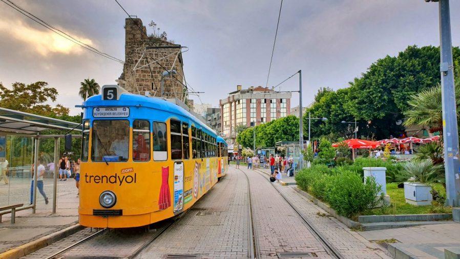 Antalya'da Ulaşım Nasıl Yapılır?