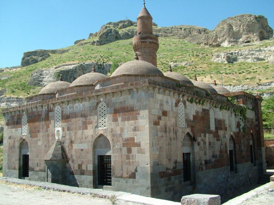 Gök Meydan Camii
