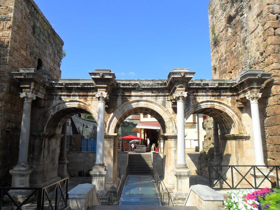 Hadrian Kale Kapısı