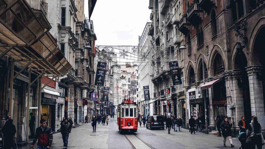 Taksim Meydanı & İstiklal Caddesi