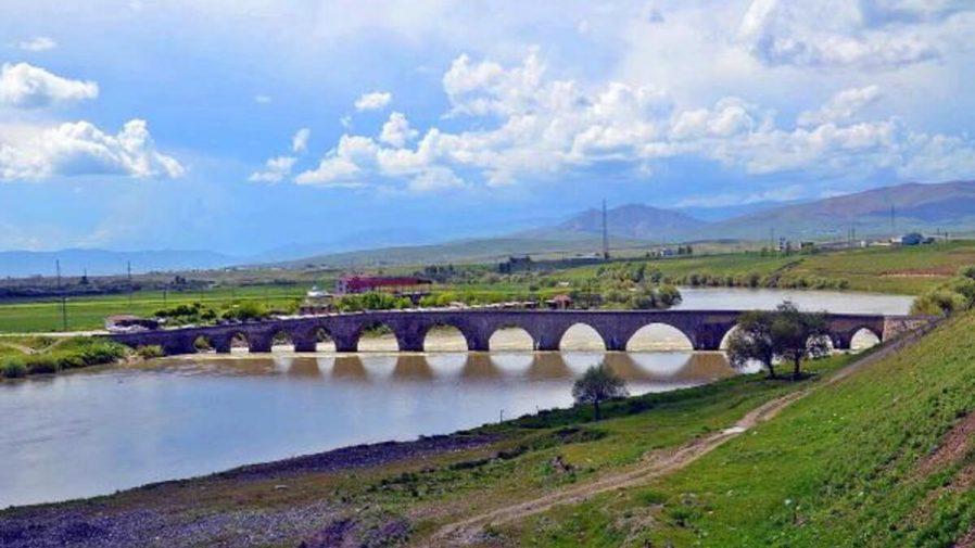 Tarihi Murat Köprüsü
