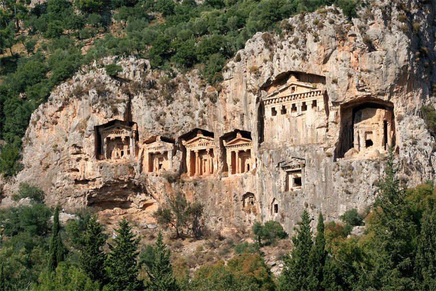 Amintas Kral Mezarları
