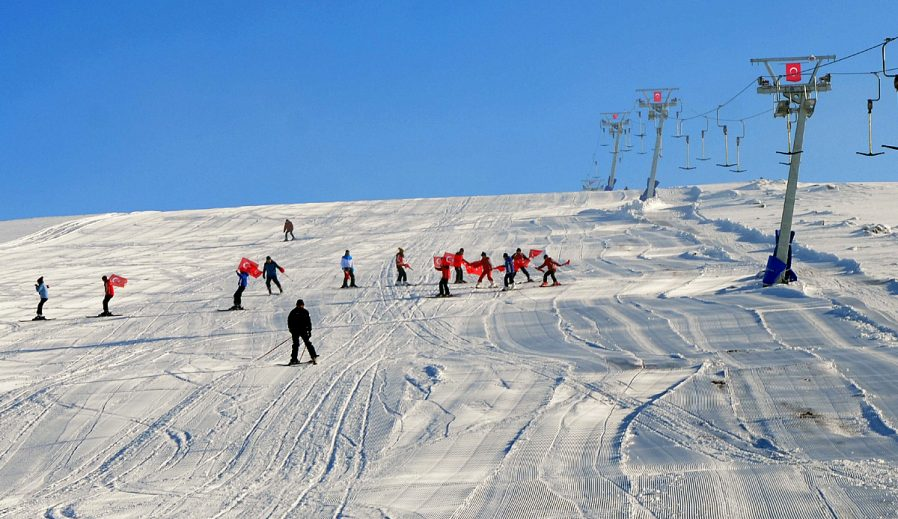 Ardahan Yalnızçam Kayak Merkezi
