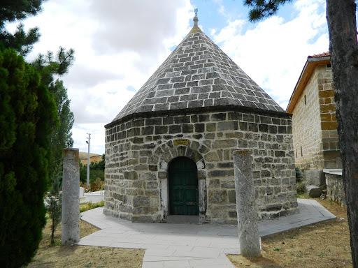 Koçubaba Camii ve Türbesi