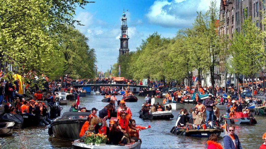 Amsterdam'a Kaç Gün Ayırmalı