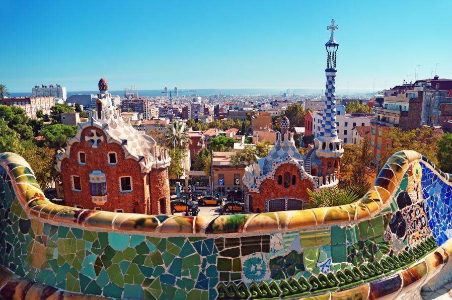 Antoni Gaudi'nin Eserlerini Gezin