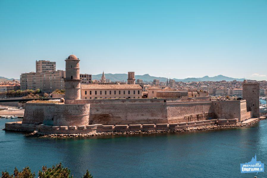 Fort Saint-Jean ve Fort Saint-Nicolas