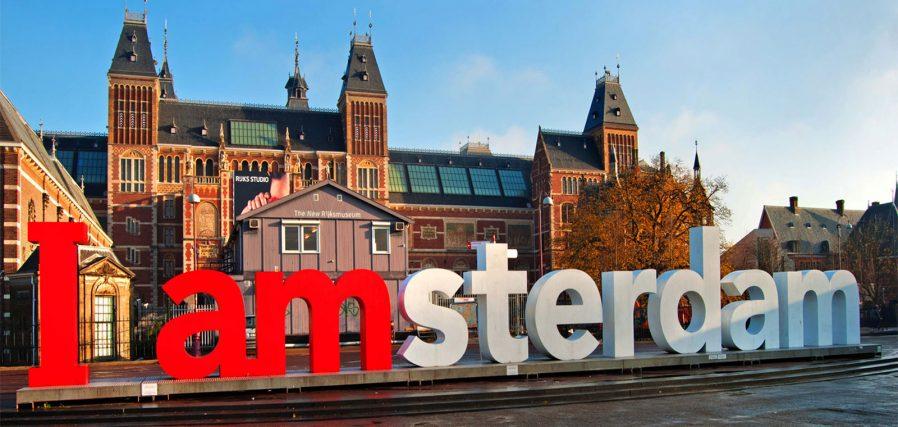 I Amsterdam Önünde Fotoğraf Çekinin