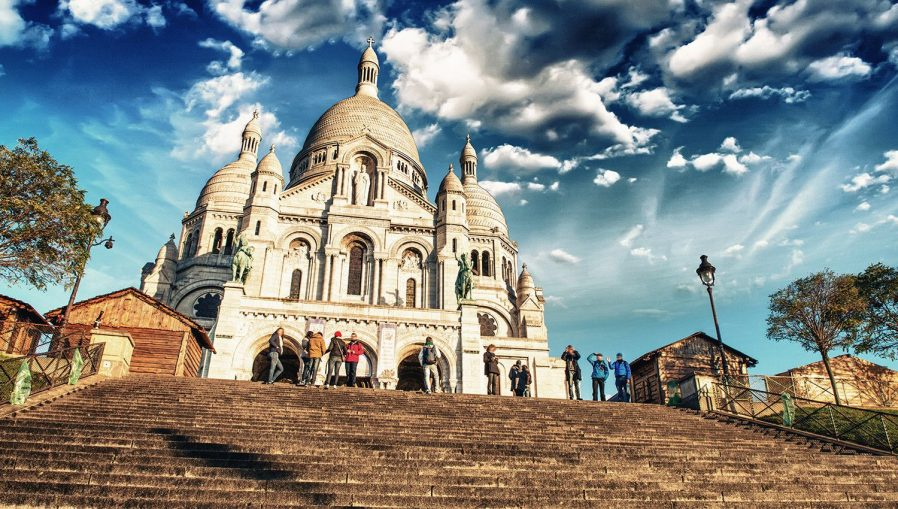Montmartre Tepesi (Ressamlar Tepesi)