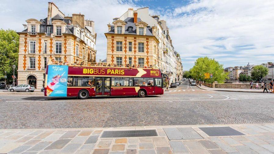 Turistik Otobüslere Binin
