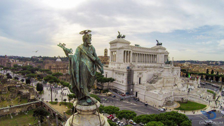 Vittorio Emanuele II Abidesi & Venezia Meydanı