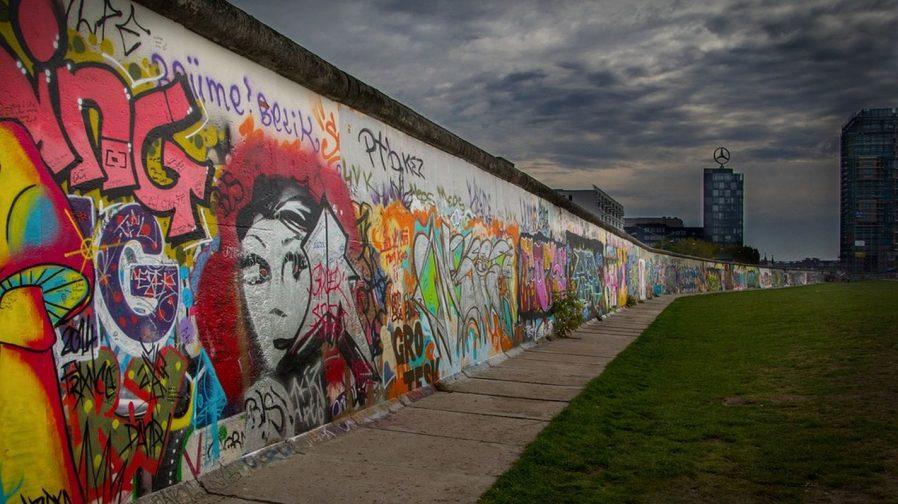 Berlin Duvarı'nı Görün