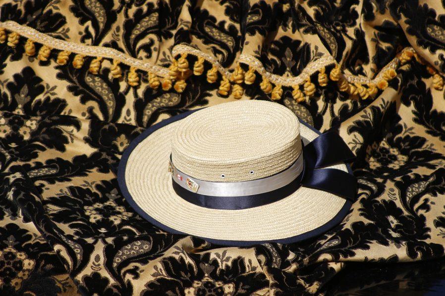 Gondolcu Şapkası