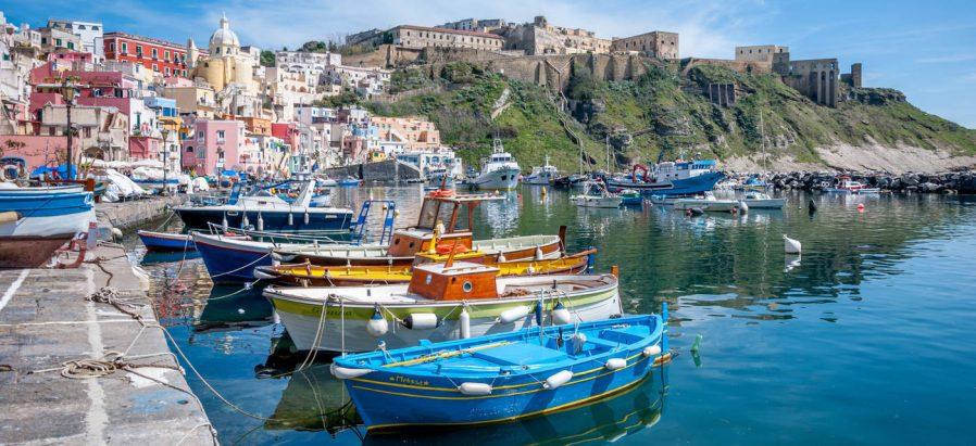 Capri Adası'nda Sosyeteye Karışın, Procida Adası'nda Fotoğraf Çekin