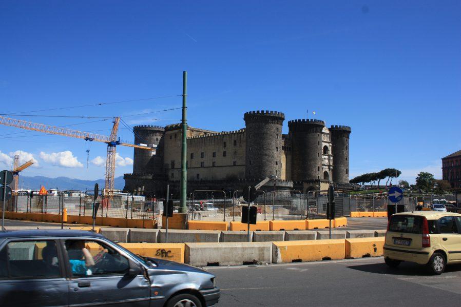 Napoli'nin Kalelerini Gezin
