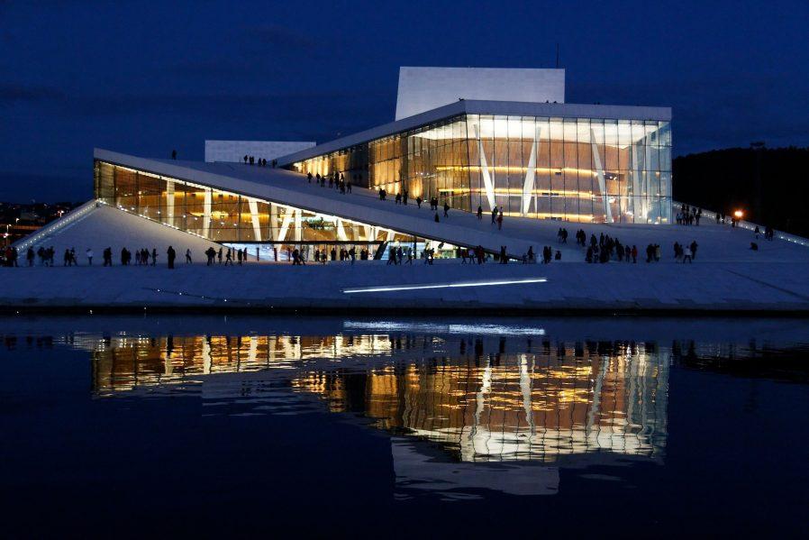 Oslo Opera Binası