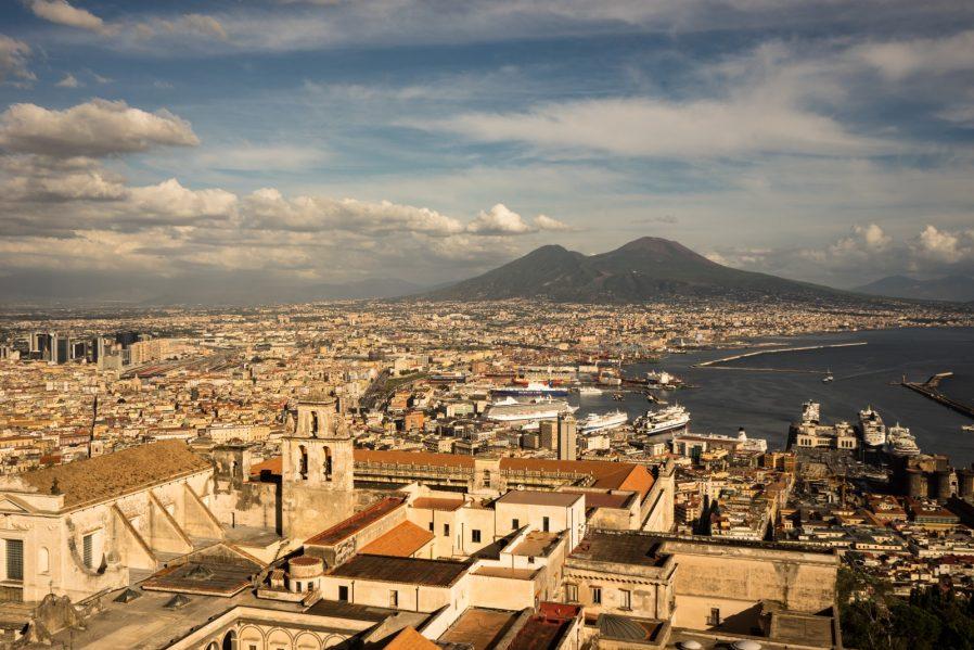 Sant' Elmo Şatosu'ndan Napoli'yi Seyredin