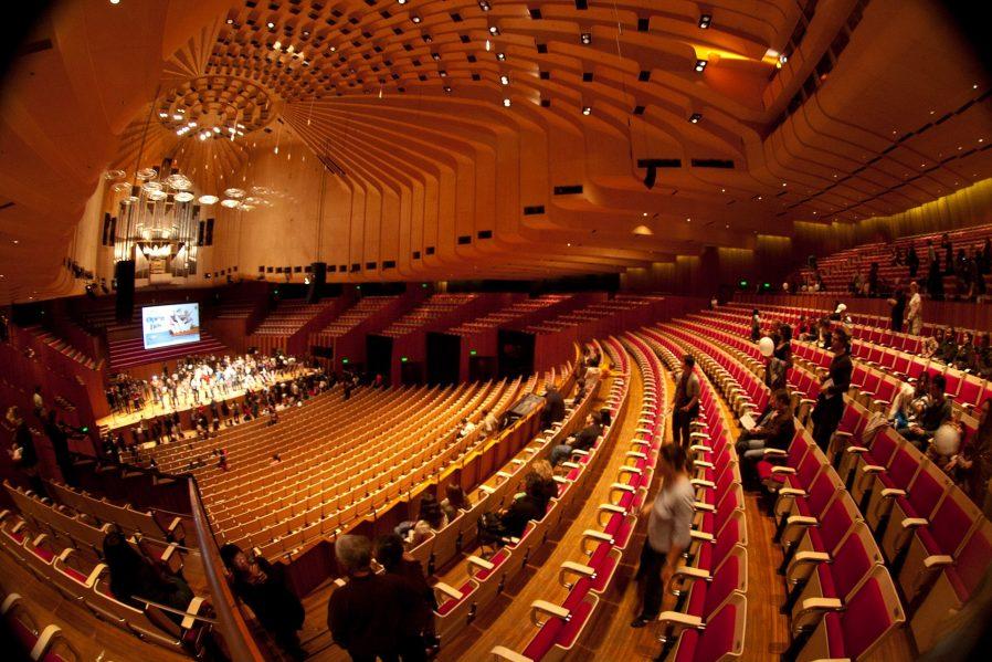 Sidney Opera Binasında Temsil İzleyin