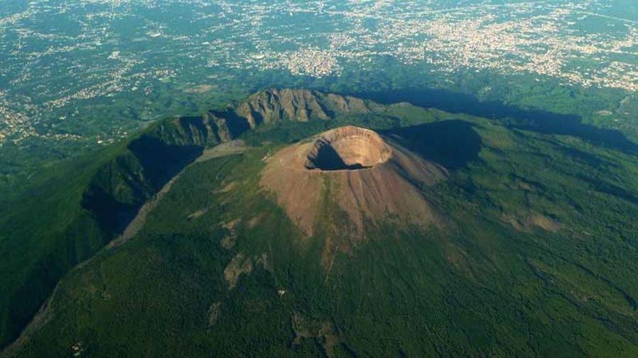 Vesuvius Yanardağı'na Çıkın