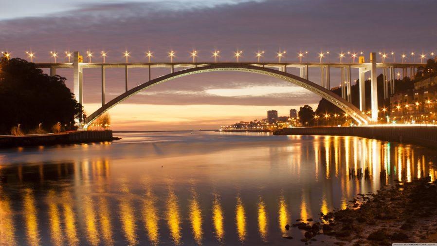 Arrabida Köprüsü'ne Tırmanın