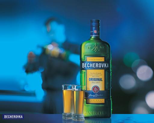 Becherovka Likörü