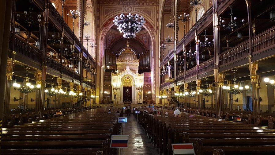 Büyük Sinagog'u Görün