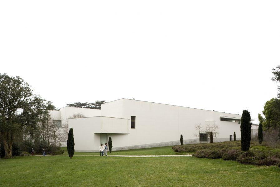 Fundacao de Serralves Museu de Arte Contemporanea