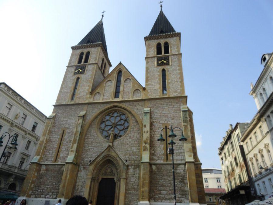 İsa'nın Kalbi Katedrali'ni Görün