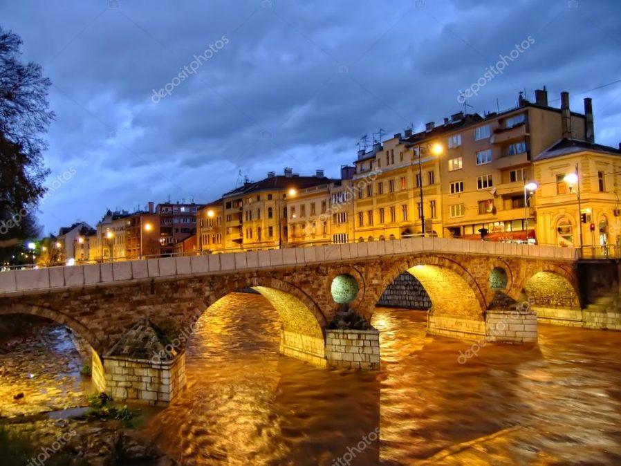 Latin Köprüsü'nden Geçin