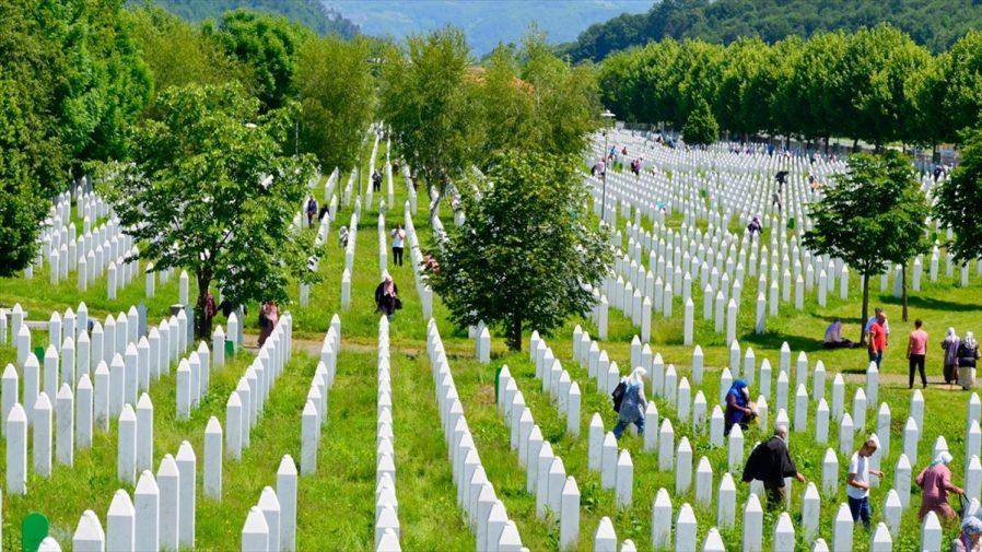 Mezarlığa Gidin