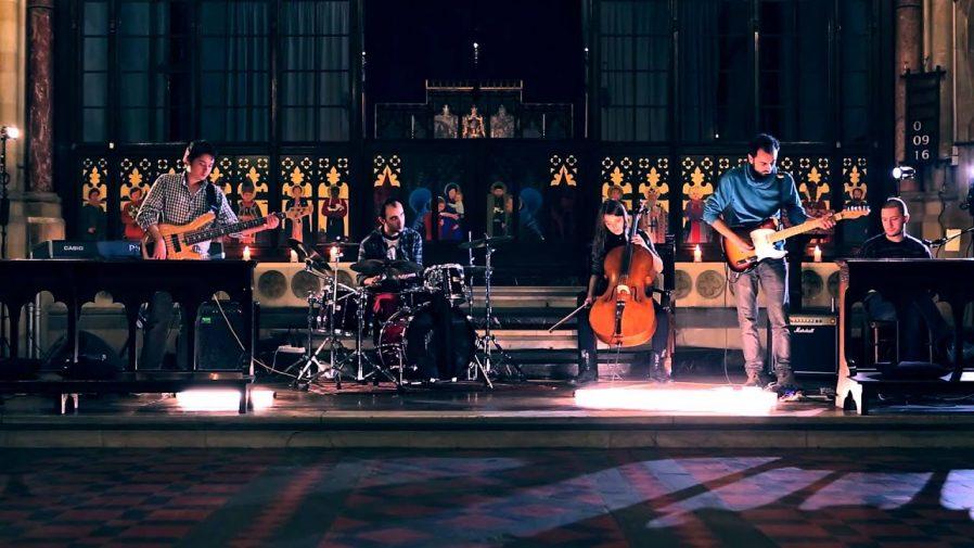 Sıra Dışı Bir Konser İzleyin