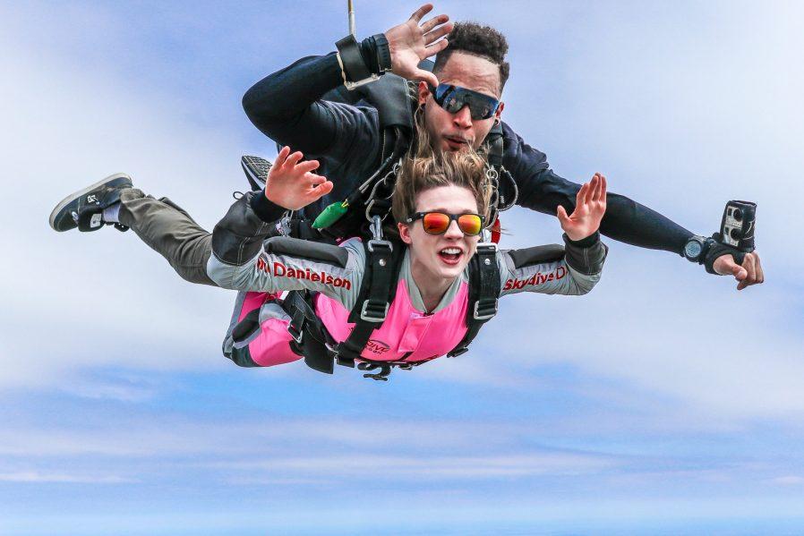 Skydiving İle Adrenalin Dolu Bir Deneyim Yaşayın