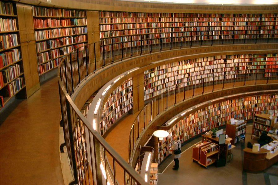 Stockholm Halk Kütüphanesi