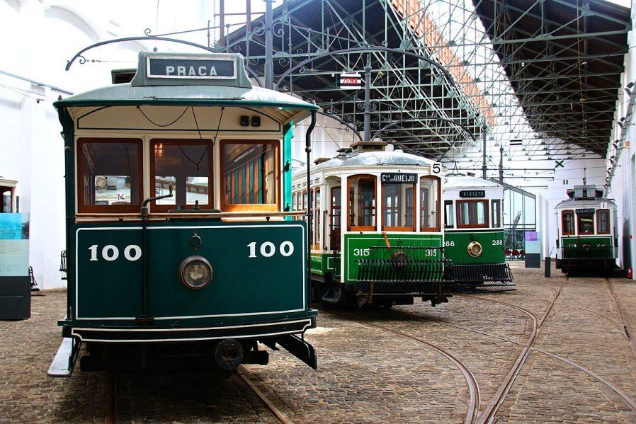 Tarihi Tramvaylarına Binin
