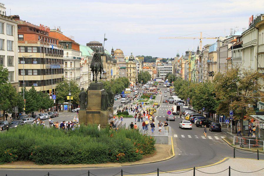 Wenceslas Meydanı (Vaclav Meydanı)