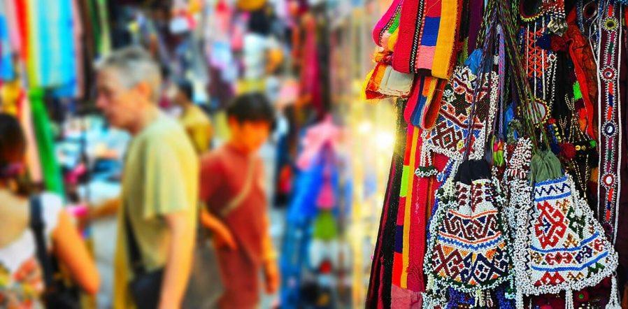 Chatuchak Pazarı'nda Alışveriş Yapın