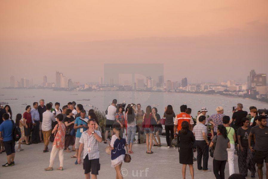 Khao Phra Tamnak'tan Pattaya'yı Seyredin