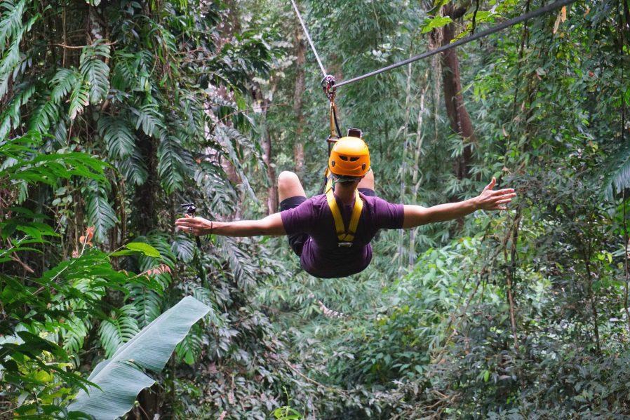 Tropikal Ormanlarda Zipline Yapın