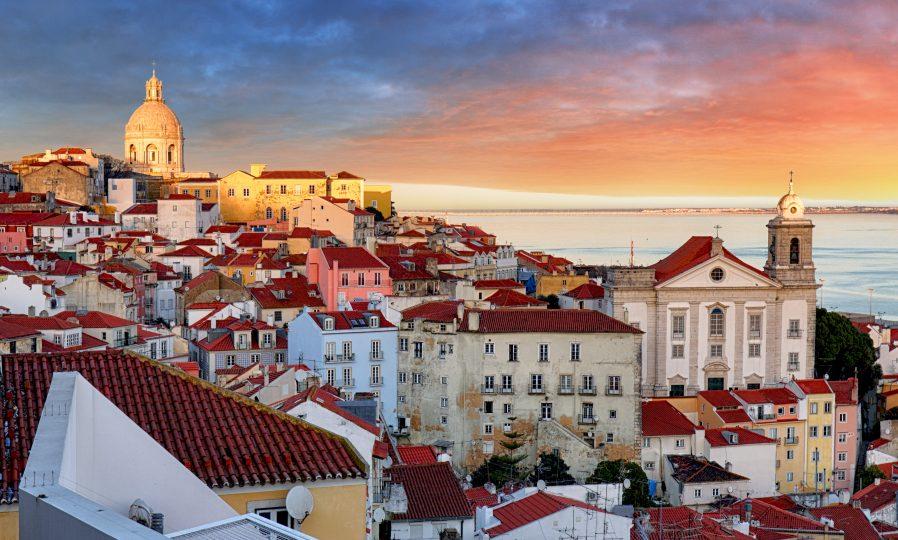 Alfama'da Eski Lizbon Sokaklarını Dolaşın