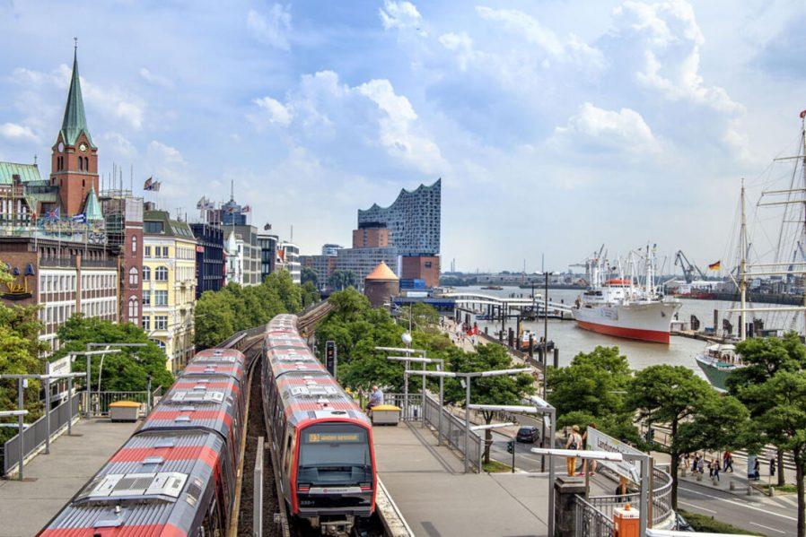 Hamburg Limanı (Landungsbrücken)