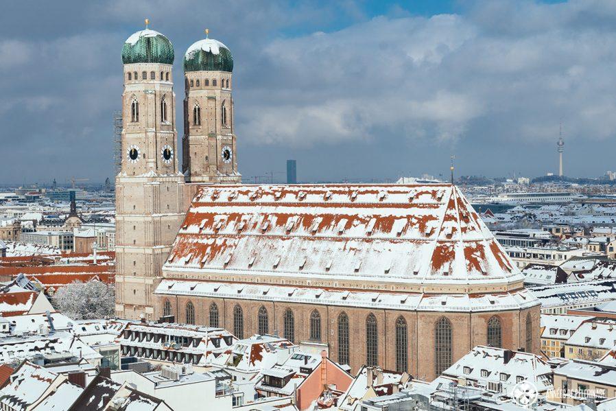 St Peter's Kilisesi'ni ve Diğer Tarihi Yapıları Gezin