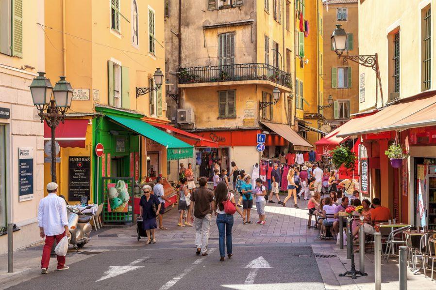 Vieille Ville'de Tarihi Nice Sokaklarını Dolaşın