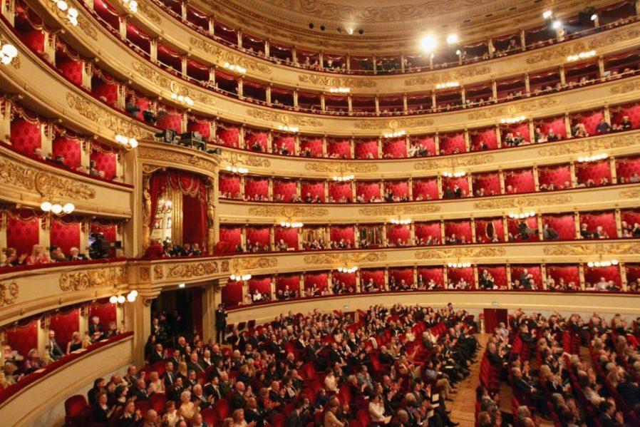 La Scala Opera'da Bir Gösterime Katılın